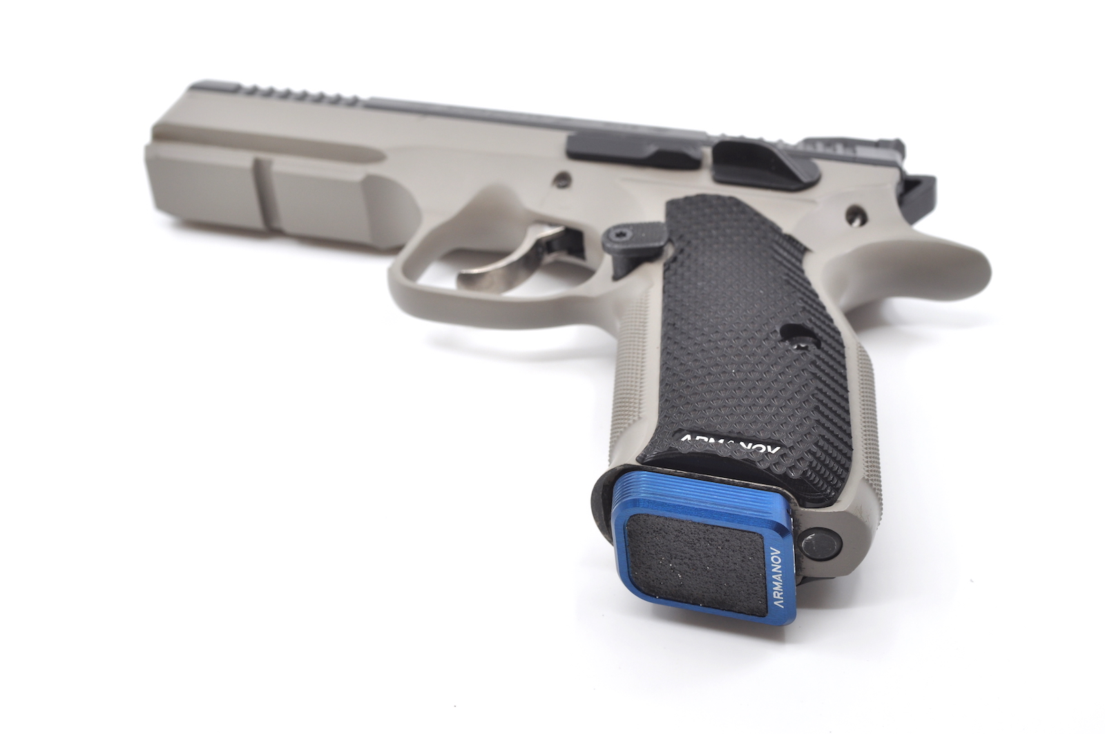 Armanov Magazine Base Pad +1 CZ 75 RACE Blue
